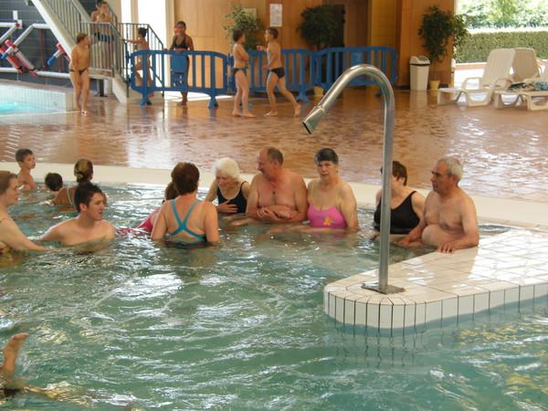 250811 le pavillon st leger a la piscine for Piscine de laon